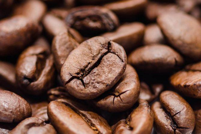 ¿Cómo afecta la cafeína a la calidad del sueño?